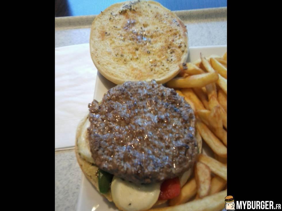 photos de gourmet burger ch vre miel flunch par lech frites. Black Bedroom Furniture Sets. Home Design Ideas