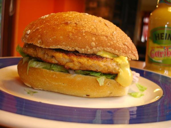 photos de burger de poulet des cara bes burger maison recette par gropapa. Black Bedroom Furniture Sets. Home Design Ideas